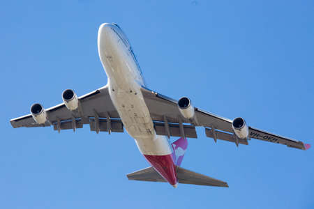 747 400: Qantas Boeing 747-400 Flying