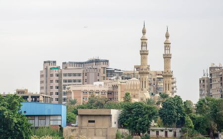 Mosque on the banks of the Nile River in Cairo. Egypt Stockfoto