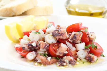 octopus: saludable plato de ensalada de pulpo tradicionales de Portugal-Santa Luzia, Algarve Foto de archivo