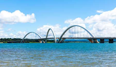 straddle: JK Bridge in Brasilia, Brazil