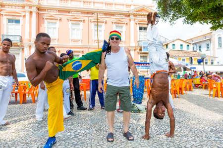 carnaval: Un grupo de personas jugando Capoeira Editorial