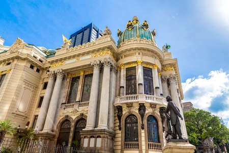 janeiro: RIO DE JANEIRO - CIRCA NOV 2014: Opera House Teatro Municipal in Rio de Janeiro, Brazil Editorial