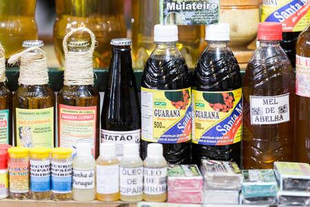 productos naturales: Productos naturales en el famoso Mercado Municipal Adolfo Lisboa en Manaus, Brasil