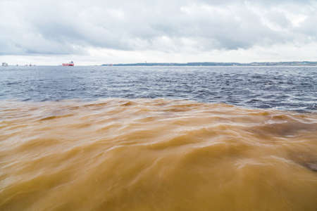 rio amazonas: El encuentro de las aguas, una confluencia entre el r�o Negro y el r�o Amazonas