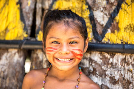 american native: Cute Brazilian indian girl in Amazon, Brazil
