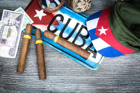 bandera de cuba: tabla de conceptos de Cubana de algunos artículos relacionados