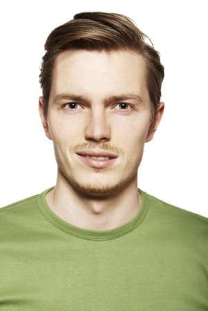 caras de emociones: Retrato de la cara expresi?n joven divertido Facial