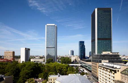rascacielos de estilo antiguo en el centro de Varsovia. Polonia, Europa del Este.