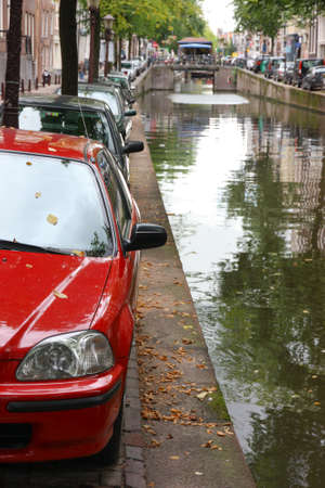 venecian: Car parked dangerously close to the channel