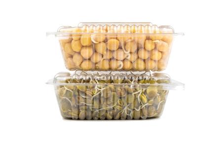 lenteja: Los frijoles y las lentejas en cajas transparentes Foto de archivo