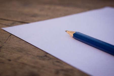 celulosa: Lápiz sobre papel Foto de archivo