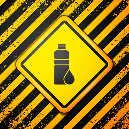 Black Fitness shaker icon isolated on yellow background. Sports shaker bottle with lid for water and protein cocktails. Warning sign. Vector. Ilustração