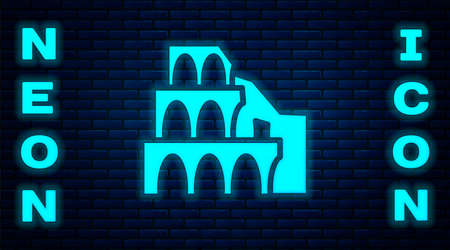 Glowing neon Coliseum in Rome, Italy icon isolated on brick wall background. Colosseum sign. Symbol of Ancient Rome, gladiator fights. Vector Иллюстрация