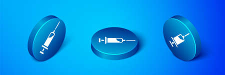 Isometric Syringe with serum icon isolated on blue background. Syringe for vaccine, vaccination, injection, flu shot. Medical equipment. Blue circle button. Vector 矢量图像