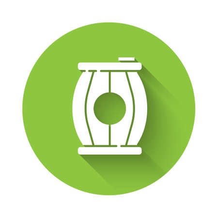 White Gun powder barrel icon isolated with long shadow. TNT dynamite wooden old barrel. Green circle button. Vector Stok Fotoğraf - 157387360