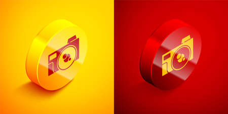 Isometric Photo camera icon isolated on orange and red background. Foto camera icon. Circle button. Vector Ilustracja