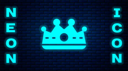 Glowing neon King crown icon isolated on brick wall background. Vector 免版税图像 - 157940068