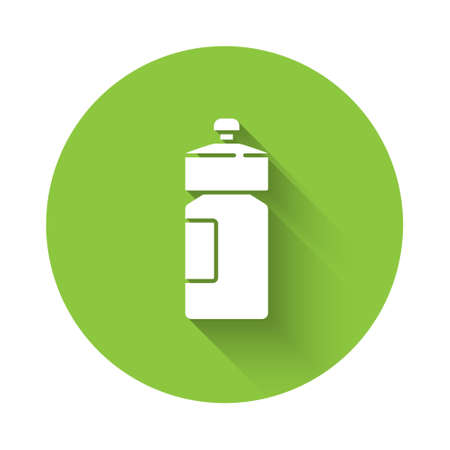White Fitness shaker icon isolated with long shadow. Sports shaker bottle with lid for water and protein cocktails. Green circle button. Vector Ilustracja
