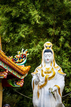 Chinese Shrine and Guanyin In public places in Thailand Imagens