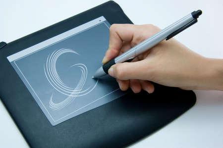 raton: dise�ador utiliza un bloc de dibujo digital de su computadora