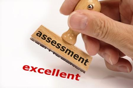 sello de goma marcado con evaluación