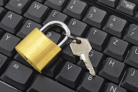 padlock on computer keyboard Stock Photo - 9357359