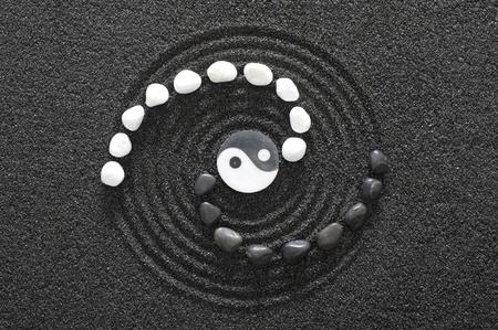 pietre zen con yin e yang