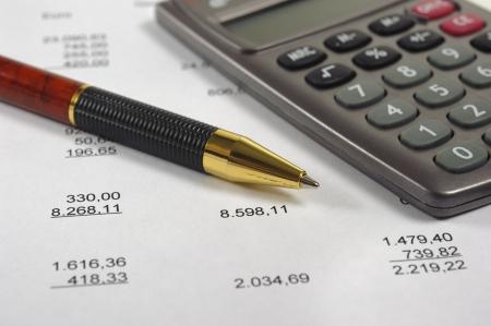 economie: berekening van het budget Stockfoto