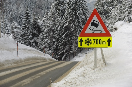 warns: traffic sign warns of snow and ice
