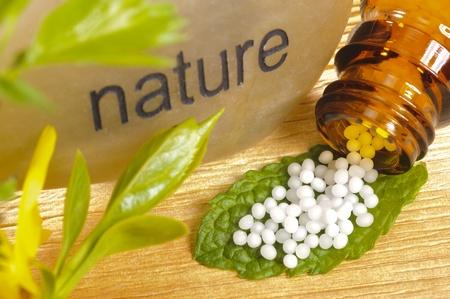 quimica organica: medicina alternativa con la homeopatía y los glóbulos Foto de archivo