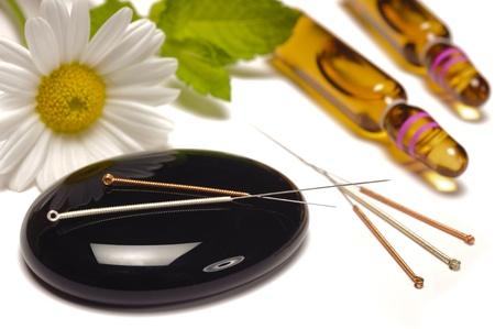 homeopatia: la medicina alternativa con la homeopat�a, la acupuntura y los gl�bulos Foto de archivo