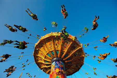 carrousel op Oktoberfest in München Redactioneel