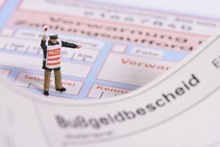 ドイツの警察からの交通違反切符 写真素材