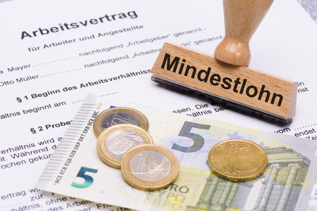 minimum wages in Germany with 8,50 Euros and employment contract