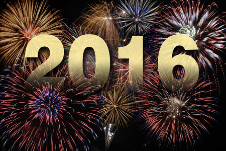 Frohes neues Jahr 2016 mit Feuerwerk Standard-Bild - 38027379