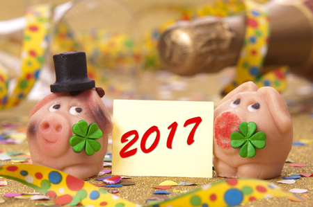 talisman: talism�n de mazap�n en nuevos a�os 2017