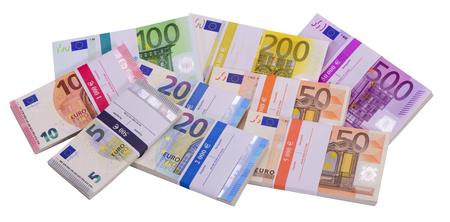 billets euros: beaucoup de billets en euros que le groupe pose sur la table Banque d'images