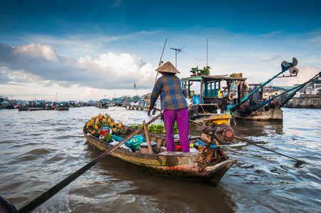 カイランの水上マーケット カントー、ベトナム