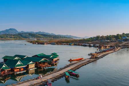 Sangkhla Buri, 태국 깐 차나 부리 주 서부 지역. 스톡 콘텐츠