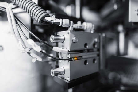 metalworking: Sheet metalworking cnc press brake laser grid