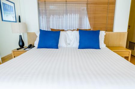 bedroom design: Bedroom decoration with modern design