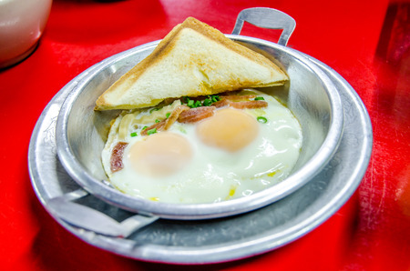 indochina: Indochina omelet (pan-fried egg) with toppings