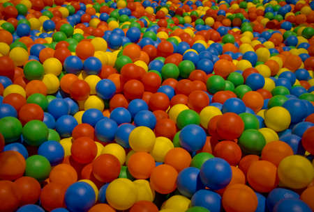 Multicolor pool of balls