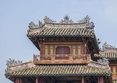 ベトナム胡・添えて、: シタデルに正午ゲート上部構造の詳細。