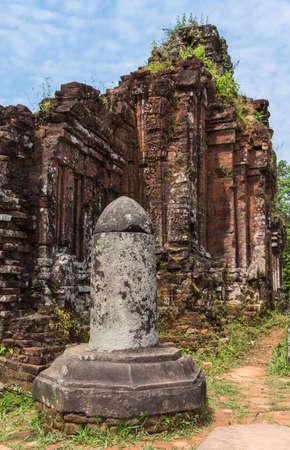 linga: Vietnam, Linga at the My Son Cham towers