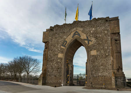 De Pax Gate of Peace Gate is een Wereldoorlog I monument in Diksmuide bij Ieper Stockfoto