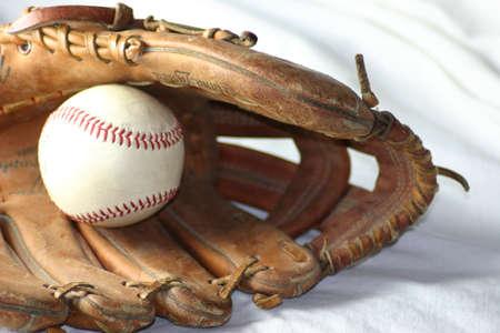 homerun: Ball and Glove