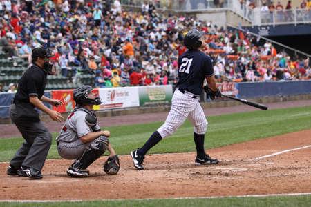 스크 랜 튼 윌크스 바레 양키스 타자 예수 Montero 스크 랜 턴, 실바에서 2011 년 5 월 24 일에 PNC 필드에서 인디애나 폴리스 인디언과의 경기에서 그의 히트