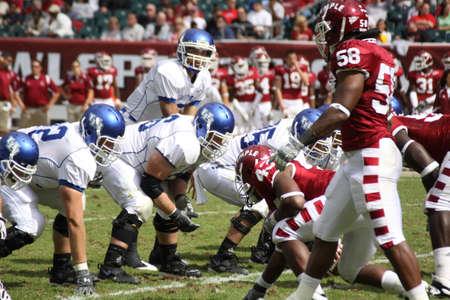 linemen: PHILADELPHIA, PA. - SEPTEMBER 26 : Buffalo Quarterback Zach Maynard drops back against Temple on September 26, 2009 in Philadelphia, PA.