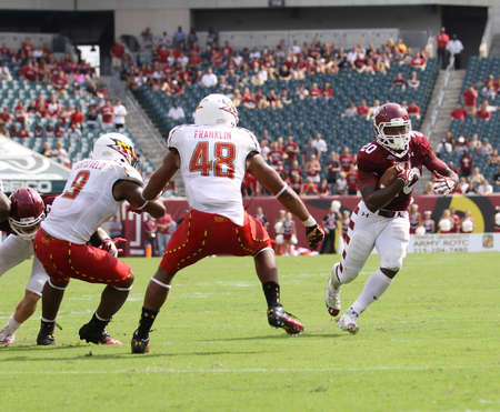 PHILADELPHIA, PA. - SEPTEMBER 8: Temple running Kenneth Harper runs for the end zone against Maryland on September 8, 2012 at Lincoln Financial Field in Philadelphia, PA.